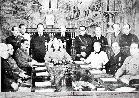 Franco preside su primer consejo de Ministros