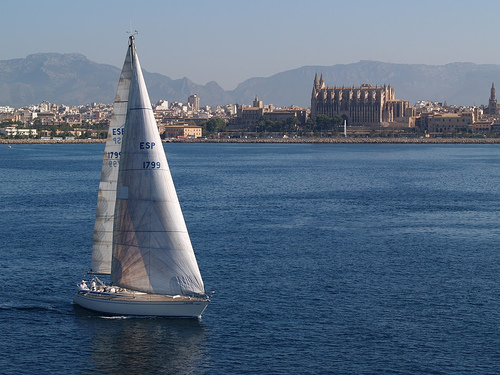 """Bahia de Palma con la Catedral """"Seo"""" de fondo"""