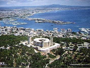 Bellver con vista panorámica a la Bahia de Palma