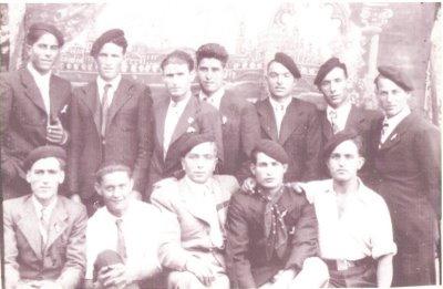 Jóvenes miembros de la Leva del Biberón