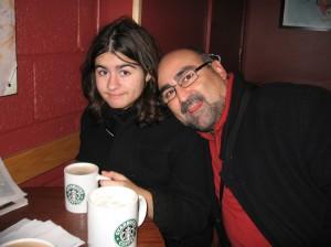 Con mi hija Aurora haciendo un receso en Starbucks