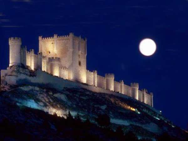 El majestuoso Castillo de Peñafiel (Valladolid)