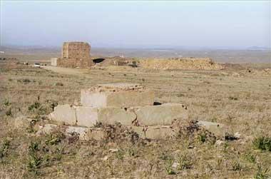 Restos de la torre del campo de concentración de Castuera