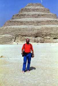 En la Pirámide escalonada.