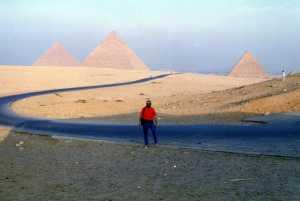 Panorámica de las pirámides de Keops, Kefrén y Micerinos.