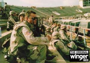 Soldados americanos en el estadio pakistaní